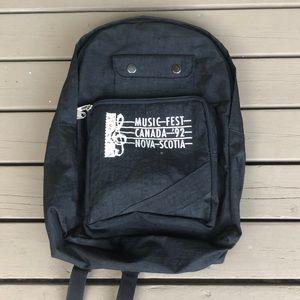 3/30$ VINTAGE 1992 Black Backpack
